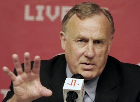 图文:[NBA]火箭正式签约阿德尔曼 指点江山