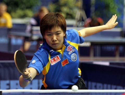 图文:李晓霞通过女单第二轮 晋级之路越走越稳