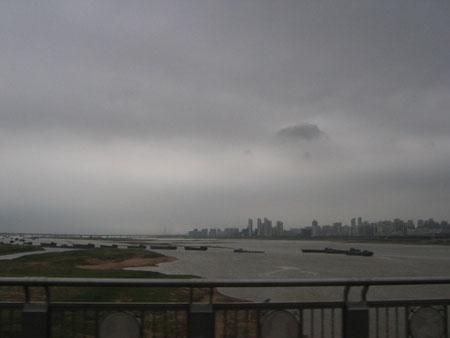 雷雨欲来的南昌