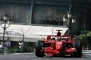 图文:[F1]摩纳哥站练习赛 莱科宁迎面驶来