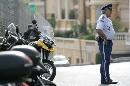 图文:[F1]摩纳哥站练习赛 警察的大肚腩