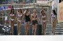 图文:[F1]摩纳哥站性感美女 穿比基尼的女郎