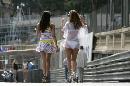图文:[F1]摩纳哥站性感美女 薄纱下的性感