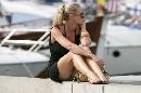 图文:[F1]摩纳哥站性感美女 裙下风光