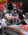 图文:[F1]阿隆索称雄摩纳哥站  冲过终点的瞬间