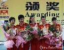 图文:女排精英赛及颁奖仪式 主力队员合影