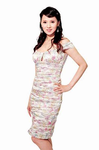 明星示范 流行花裙子(5图)