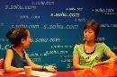 图文:邬娜做客搜狐评点世乒赛 相谈甚欢