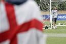 图文:贝克汉姆随英格兰训练 重回国家队乐开怀