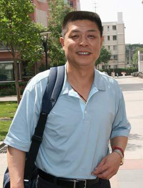 图文:刘翔启程赴美参赛 冯树勇带队出征