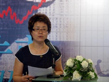 图:欧美同学会2005委员会执行秘书长 王红
