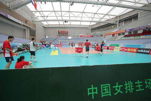 图文:女排精英赛即将开战 中国女排主场