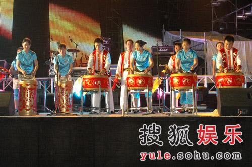 巨石传奇·情动华山晚会图片--石鼓表演