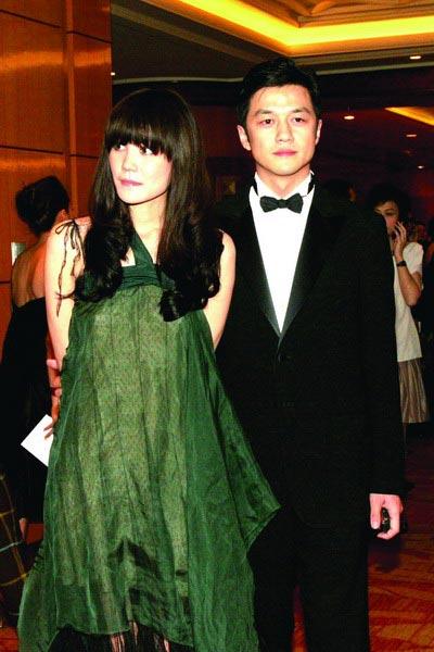 王菲、李亚鹏在去年的嫣然慈善基金晚宴上