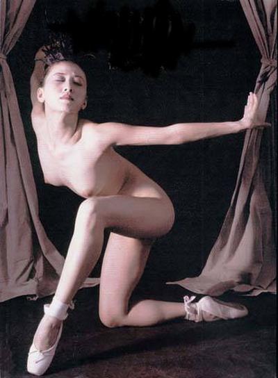 中国首位全裸女模特汤加丽从良当歌手图 搜狐 竖