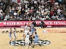 图文:[NBA]马刺VS爵士 双方跳球