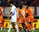 图文:[中超]山东VS天津 鲁能庆祝进球