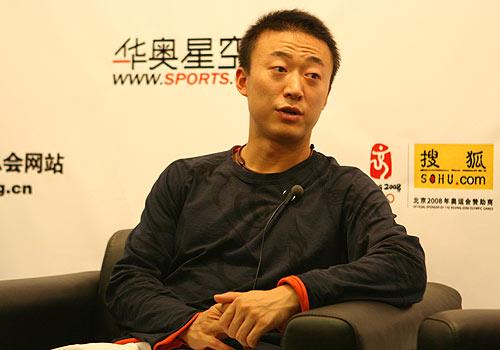图文:马琳张怡宁做客畅谈世乒赛 马琳侃侃而谈