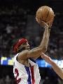图文:[NBA]骑士VS活塞  汉密尔顿沉稳跳投