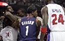图文:[NBA]活塞VS骑士 詹姆斯欲为哥们出头