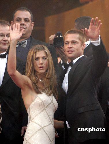 布拉德·皮特和詹妮弗·安妮斯顿离婚后,这对好莱坞金童玉女各自寻欢