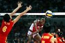 图文:中国女排3-2古巴夺冠 古巴重扣瞬间
