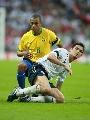 图文:英格兰1-1巴西 两大8号之间的战役