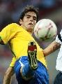 图文:英格兰1-1巴西 卡卡又玩倒勾?