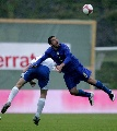 图文:[欧预赛]法罗群岛1-2意大利 寸土必争