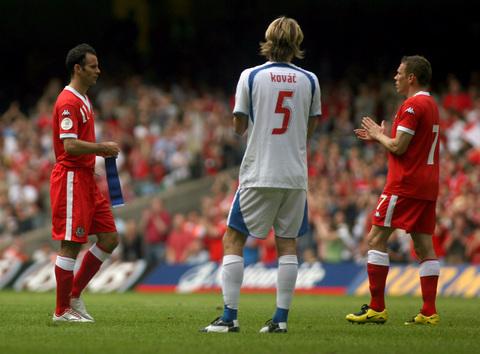 图文:[欧预赛]威尔士0-0捷克 见证领袖的传承
