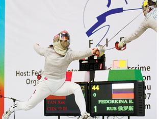 刚刚夺得女子佩剑世界杯大奖赛天津站的谭雪是中国击剑在奥运会争金夺银的主力选手。
