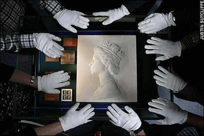 英国女王伊丽莎白二世肖像邮票原稿。