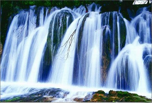 银练坠瀑布:最柔美的瀑布