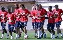 图文:[欧预赛]法国备战格鲁吉亚 队员慢跑