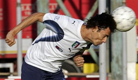图文:[欧预赛]意大利备战立陶宛 因扎吉冲顶