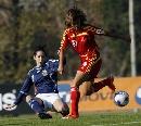 图文:[女足]中国1-0阿根廷 韩端脚跟跳球