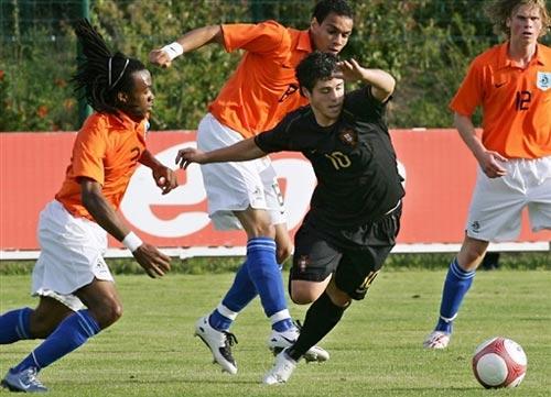 图文:[土伦杯]荷兰0-0葡萄牙 小戴维斯显霸气