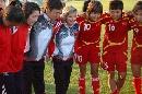 图文:[女足]中国1-0阿根廷 多曼与队员庆祝