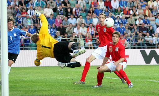 图文:英格兰3-0爱沙尼亚 门将让欧文目瞪口呆