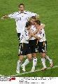 图文:德国2-1斯洛伐克 德国队庆祝进球