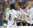 图文:德国2-1斯洛伐克 德国队欢庆胜利