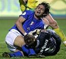 图文:欧预赛立陶宛0-2意大利 因扎吉慢了一拍