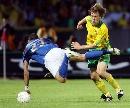 图文:立陶宛0-2不敌意大利 马特拉奇拼抢积极