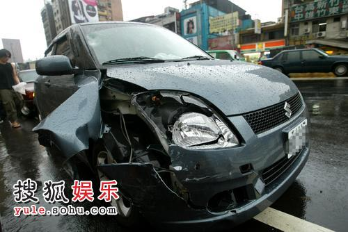 林晓培撞人的汽车-与被撞者同月同日生 林晓培除醉酒还无照驾驶高清图片