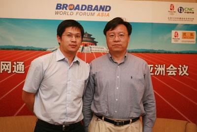 """中国网通宽带业务国家工程实验室首席科学家高文(右)做客搜狐IT""""第一访谈"""""""
