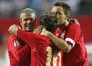 图文:英格兰3-0爱沙尼亚 欧文接受祝贺