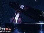"""任泉""""钢琴王子""""扮相"""