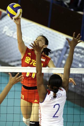 图文:[瑞士赛]中国2比3古巴 李娟网上进攻