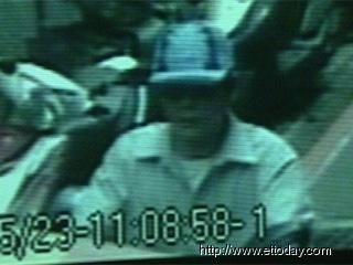 警方所公布的杀手正面影像