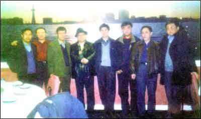 吉林大学部分老校友2001年聚会(右一为敬大力)